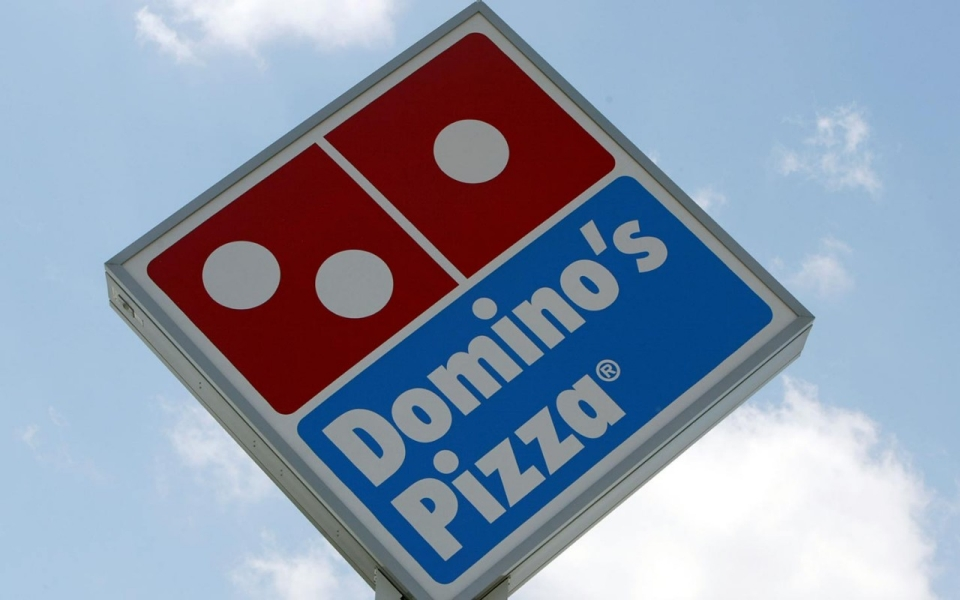 dominos_sign